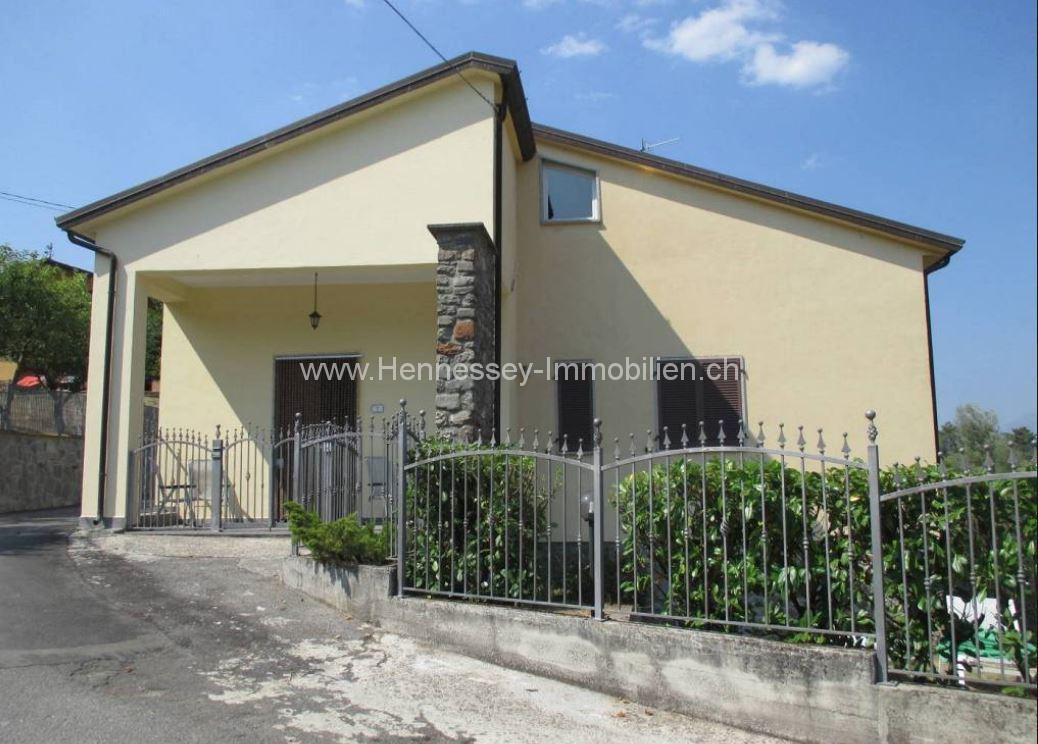 Haus In Der Toskana Hauptansicht Hennessey Immobilien
